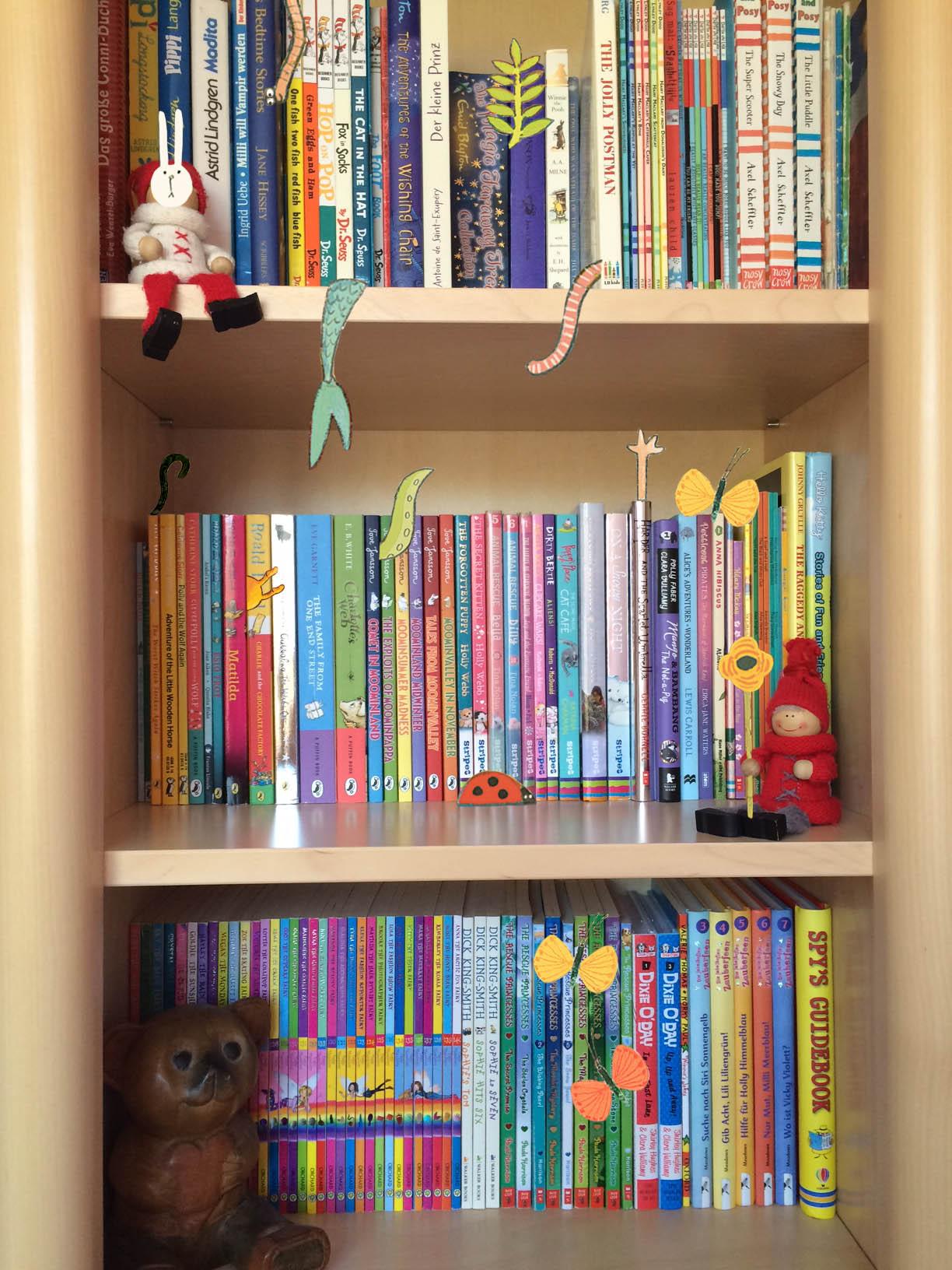 Story Snug Bookshelf - Emma Yarlett