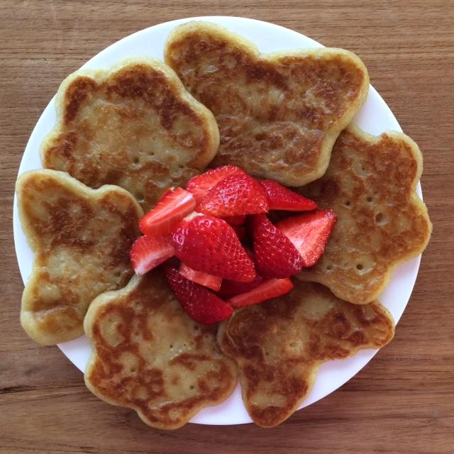 gluten free, vegan banana pancakes - Story Snug